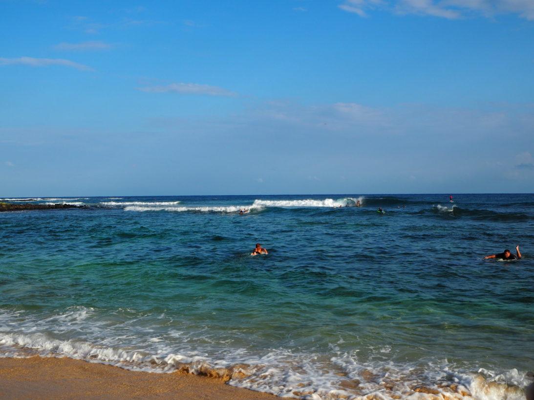 Erste Surfversuche in Poipu Beach