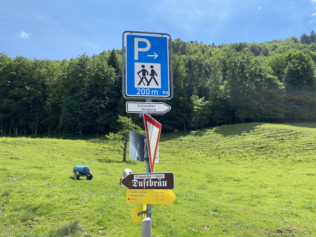 Beschilderung Parkplatz Schweibern