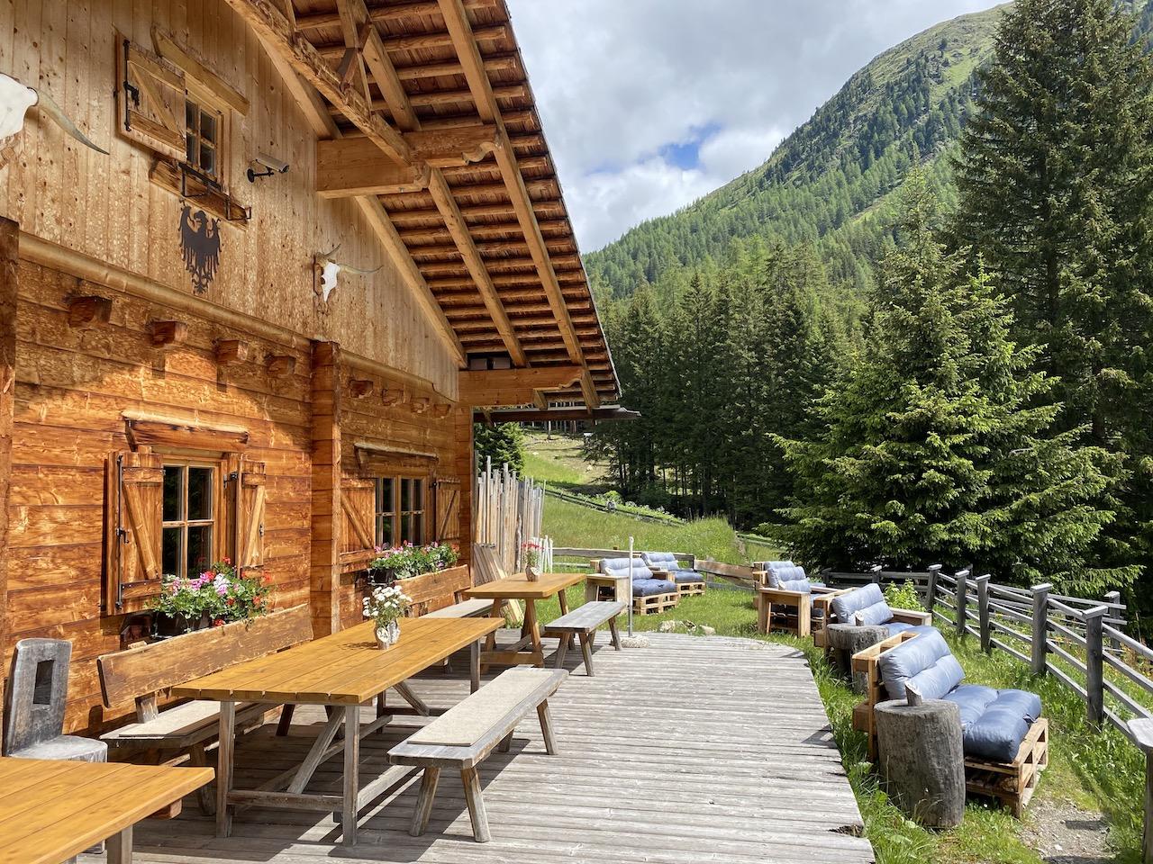 Schöne Terrasse der Messnerhütte